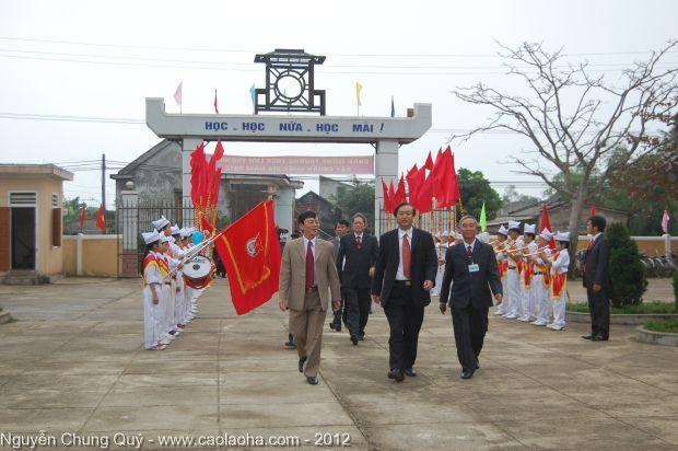 Lễ đổi tên trường THCS Lưu Trọng Lư