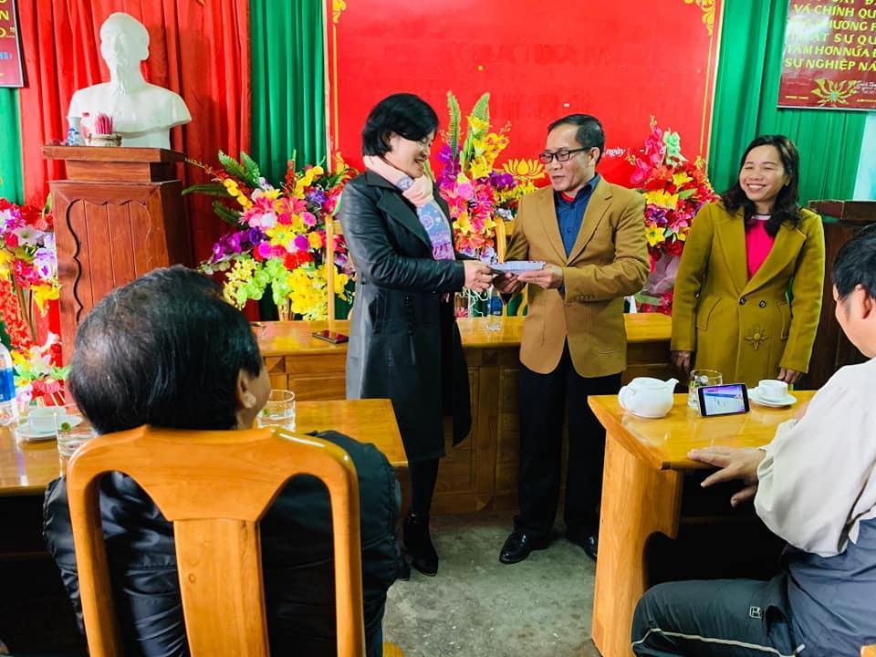 Hội đồng hương Hạ Trạch tại Đà Nẵng thăm trường Tiểu học Hạ Trạch