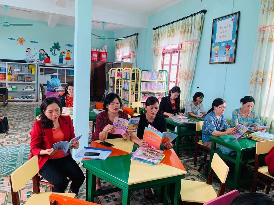 Trường Tiểu học phổ biến rộng rãi sách giáo dục kỹ năng