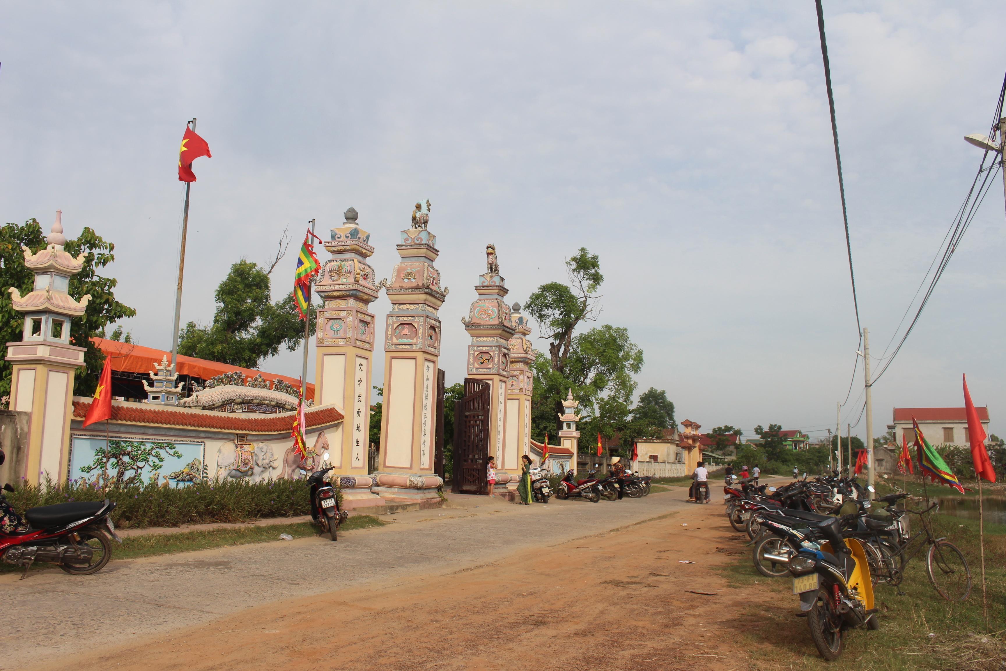 Cao Lao Hạ làng ta