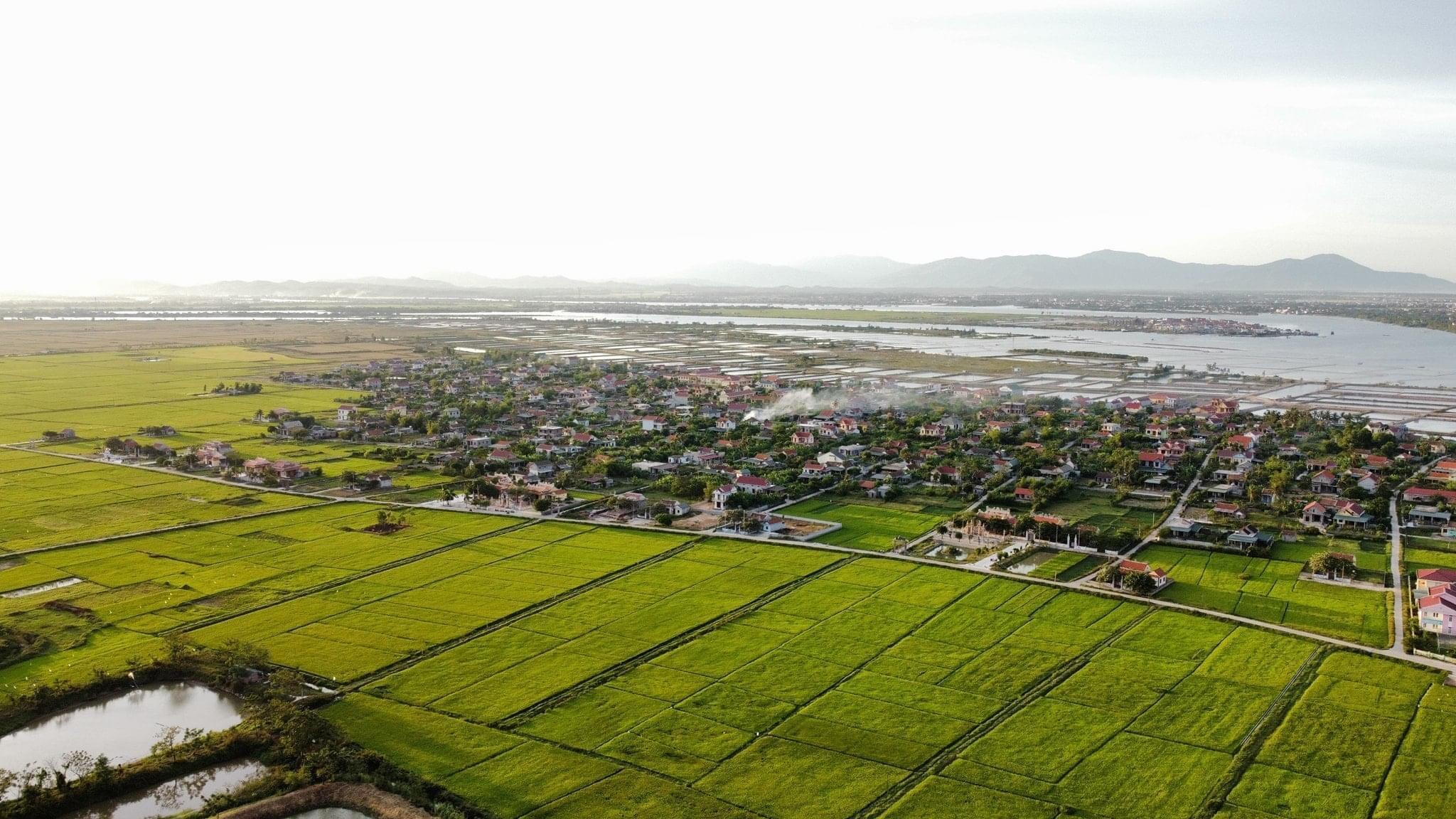 Dãy nhà thờ Họ làng Cao Lao Hạ